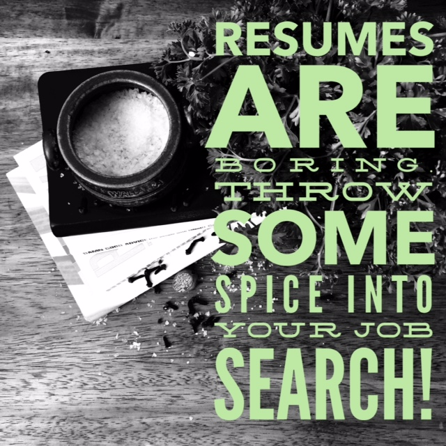 send in more than just your resume when applying to jobs! {thelilyhoneylife}